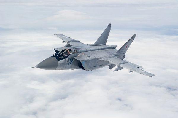 资料图片:在高空巡航的俄军米格-31战斗机