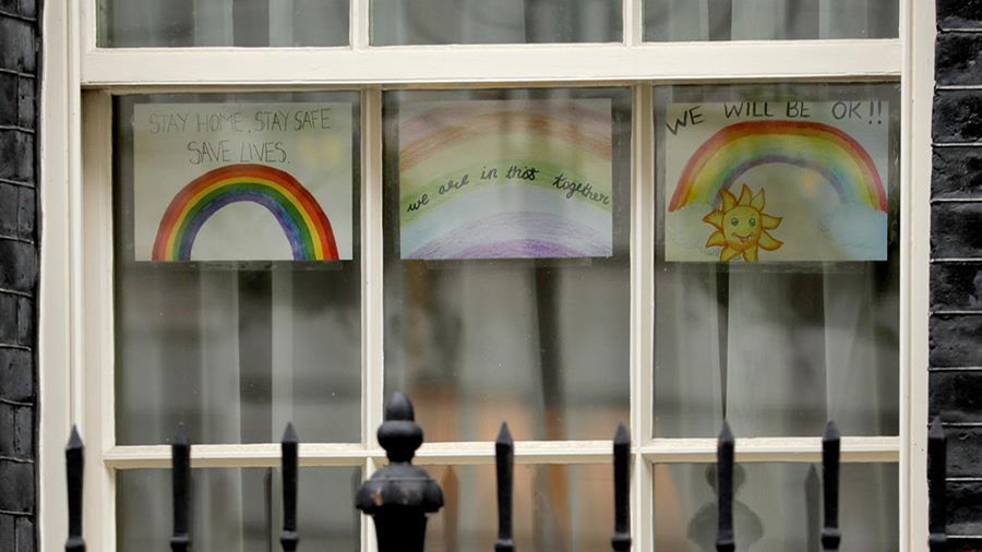 英國首相府的彩虹畫