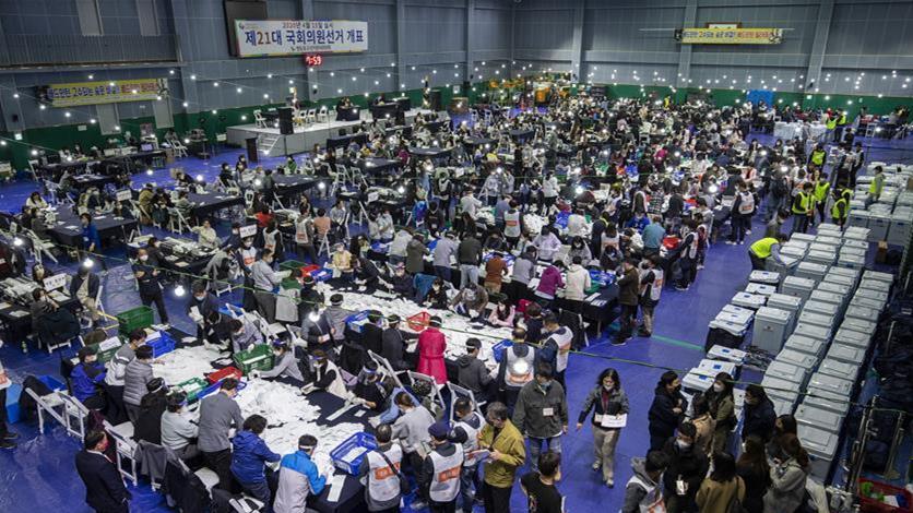 韓國第21屆國會選舉計票進行時