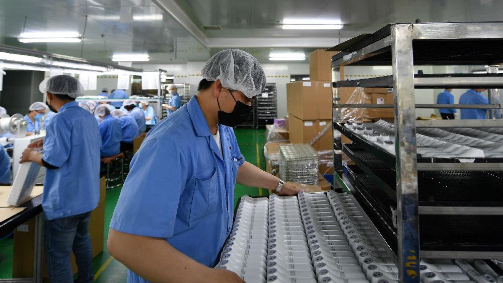 """""""非常了不起""""!英媒称中国工厂给欧美制造厂上了一课"""