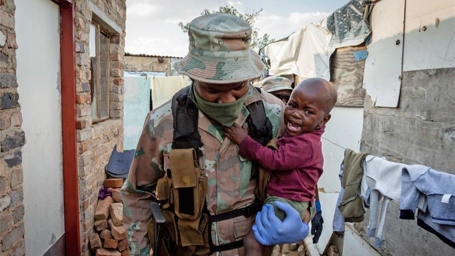 南非:疫情下的巡邏
