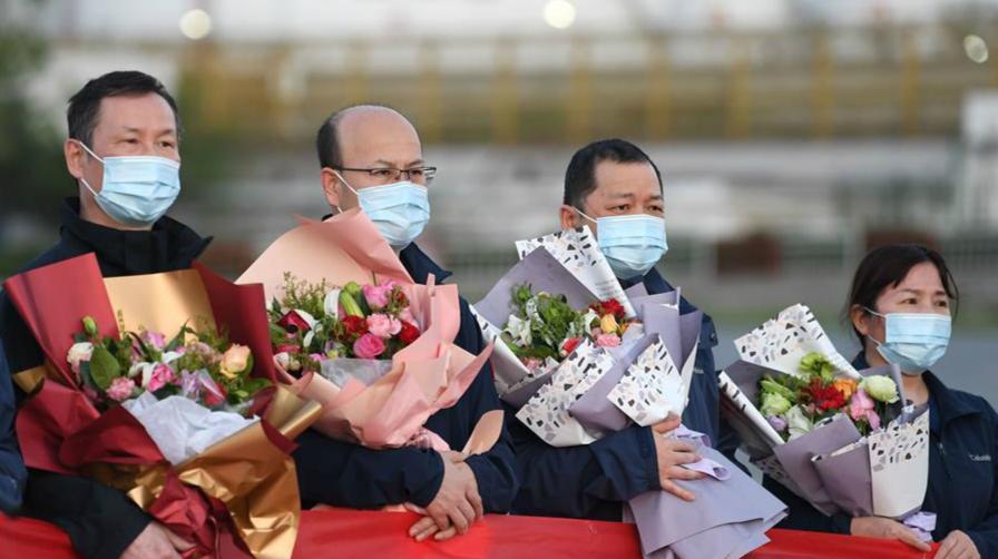 中國援助哈薩克斯坦抗疫醫療專家組完成任務回國