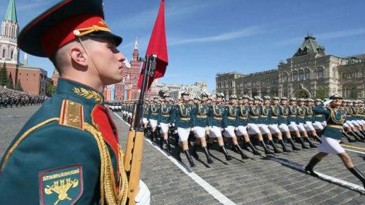 """俄正式将""""二战结束日""""推迟一天 以维护胜利者的历史公正"""