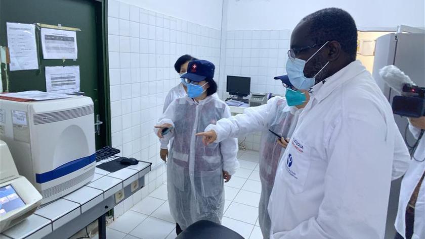 中國抗疫醫療專家組考察科特迪瓦新冠患者定點收治醫院