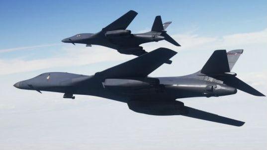 台媒关注美军B-1B轰炸机编队掠过台湾东北海域 已是本月第3次