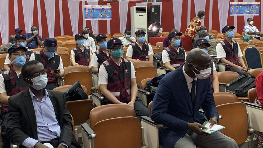 科特迪瓦官員感謝中國醫療專家組分享抗疫經驗