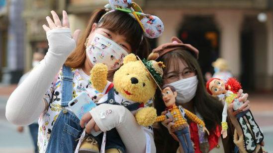 外媒聚焦:中国控制疫情后逐步恢复常态