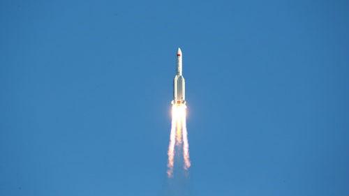 """日媒:中国加速迈向""""太空强国"""" 连发火箭和卫星"""