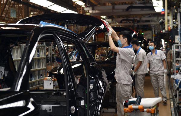 外媒关注:中国汽车业解封后缓慢前行