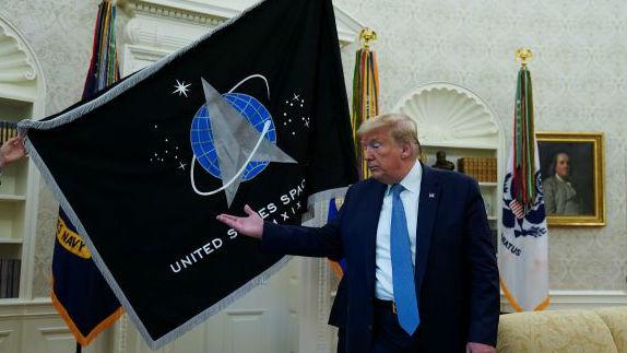 """特朗普吹嘘""""超级导弹"""" 俄军企高管讥讽:""""无法拦截,我们投降!"""""""