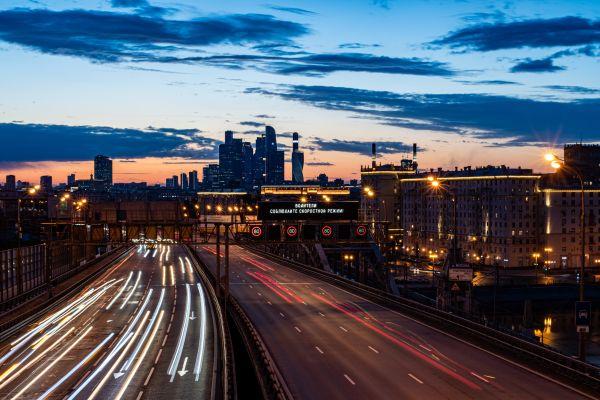 经济学家测算:俄经济上月萎缩逾四分之一