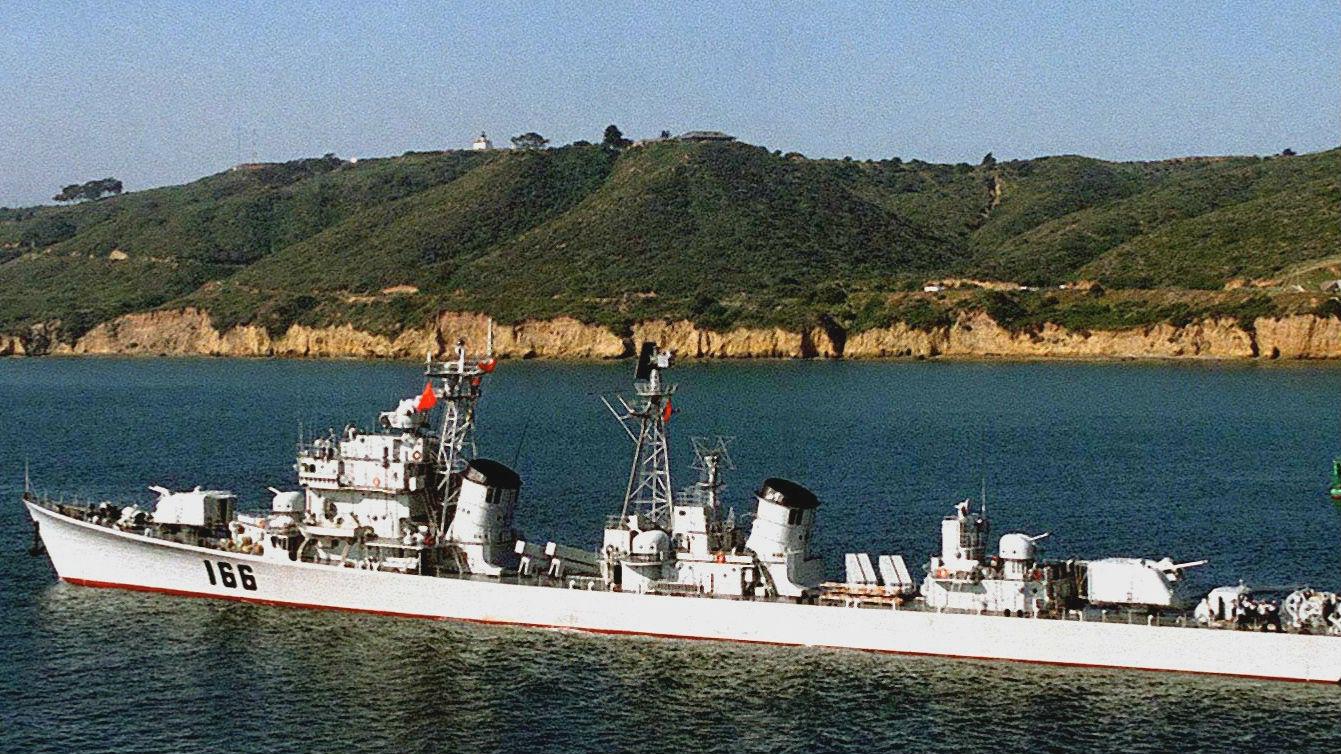 """""""外交旗舰""""功成身退 美媒关注中国最后一艘051型驱逐舰将退役"""