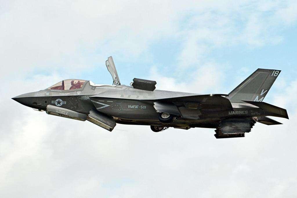 F-35超音速飞行为何烧尾?内情在这里——