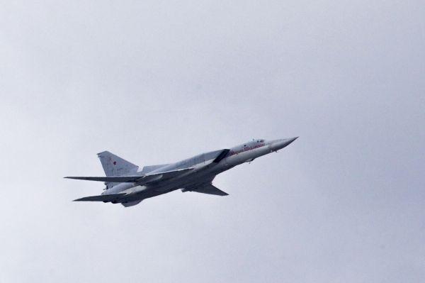 资料图:在俄罗斯莫斯科拍摄的一架图-22轰炸机。新华社/美联