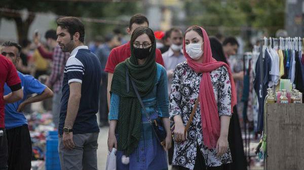 疫情反弹 伊朗单日新增病例数重回3月底峰值水平