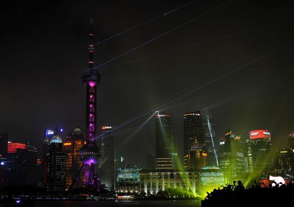 """美媒述评:中国经济""""V形复苏""""领跑世界"""