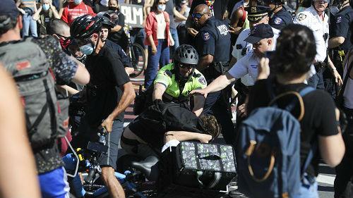 英媒记者亲历纽约抗议示威:看着美国乱局,我想到了中东