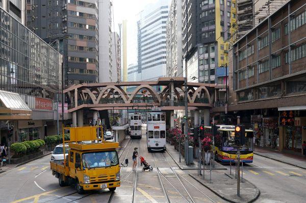香港铜锣湾附近街道(5月1日摄)。新华社发