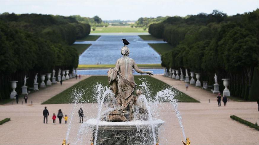 法国凡尔赛宫重新开门迎客