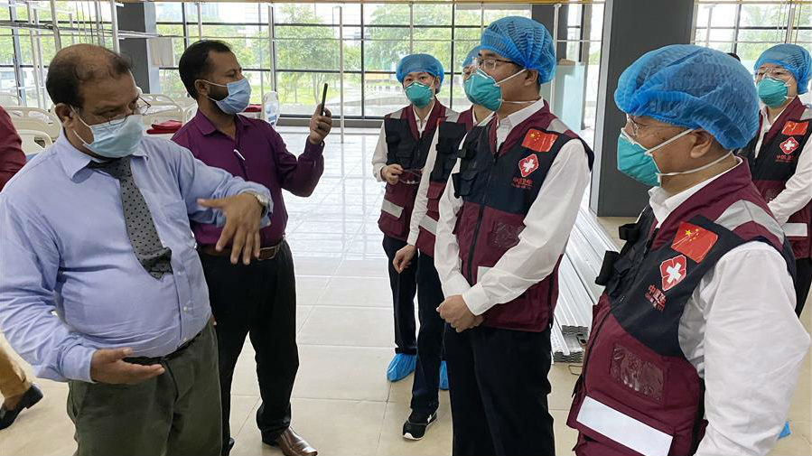 中国赴孟加拉国抗疫医疗专家组继续与当地机构交流抗疫经验