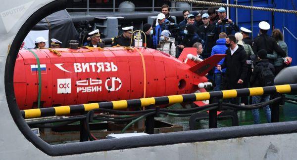 """资料图片:俄罗斯""""勇士""""无人潜航器"""