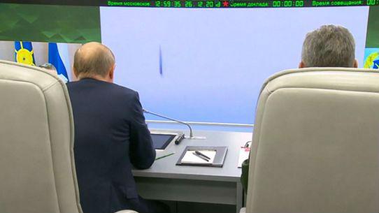 """普京盛赞俄高超音速武器:在反制技术上也会给对手""""惊喜"""""""