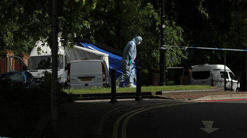 """""""独狼""""袭击者刺死多人 英国街头重现恐怖气氛"""