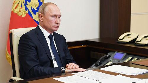 普京接受俄电视台采访 畅谈执政哲学生活细节 _德国新闻_德国中文网