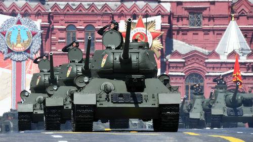 外媒直击俄罗斯红场阅兵:徒步方阵、空中梯队、武器装备集体亮相_德国新闻_德国中文网