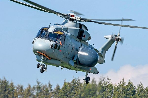 EH-101 Crowsnest 鸦巢-AEW-Helicopter First-Flight-for-Royal-Navy 2019 4