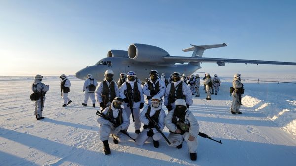 An-72 arctic-military-exercise 毛熊
