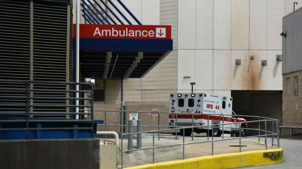 新冠肺炎病例暴增 美国医院不堪重负引担忧