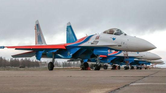 """""""俄罗斯勇士""""表演队完成换装苏-35S重型战机"""