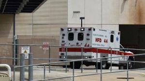 美国日增新冠肺炎病例屡超6万 多个州医院告急