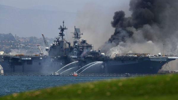 """俄媒称军舰火灾暴露美海军走向衰落 其面临""""非常不好的趋势"""""""