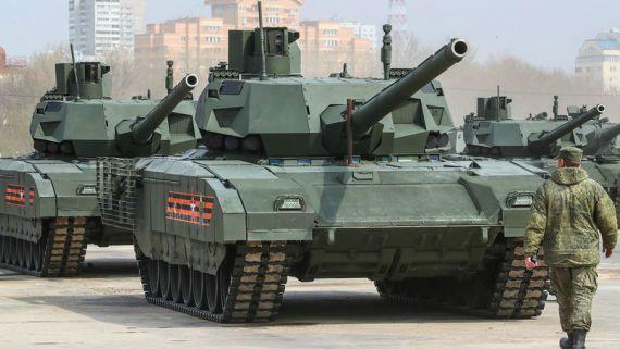 美媒:俄开始生产T-14主战坦克及T-15步兵战车