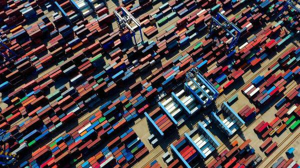日媒:美国进出口额暴跌 对华商品贸易逆差锐减
