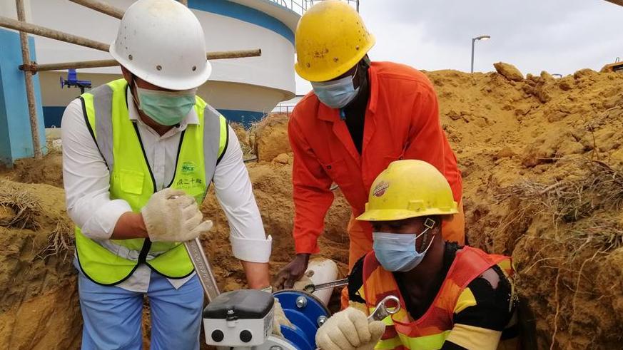 中企承建安哥拉卡宾达供水项目疫情中通水