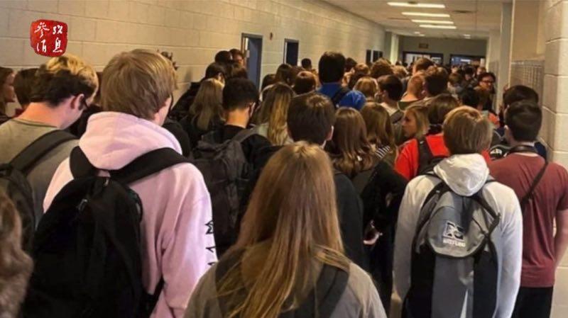 参考视频丨特朗普坚持要求学校复课 这张照片却引发美国网友一片声讨_德国新闻_德国中文网