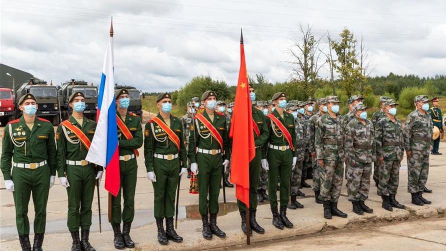 """我军赴俄参加""""国际军事比赛-2020""""装备运抵比赛场地"""