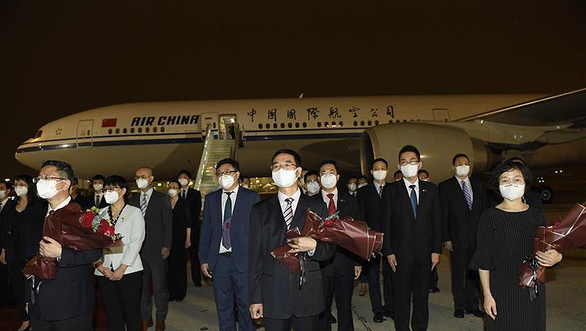 驻休斯敦总领事馆全体馆员抵达北京