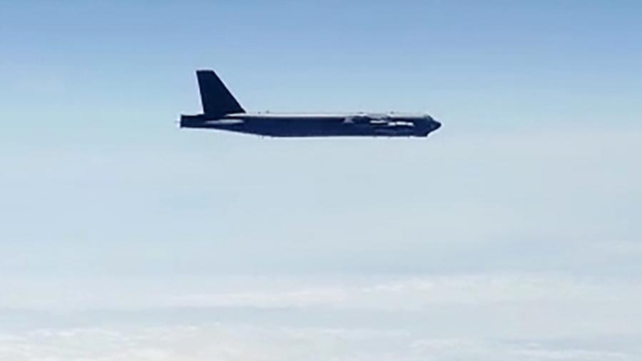 俄媒:美国轰炸机抵近俄罗斯领空遭拦截