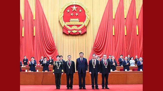 外媒聚焦:中国最高规格致敬抗疫英雄