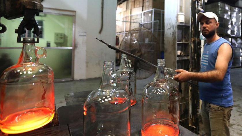 爆炸过后 黎巴嫩玻璃废品回收再利用