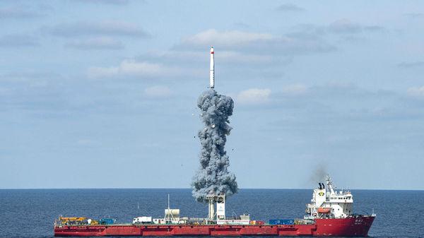 """境外媒体关注:中国在黄海成功发射""""一箭九星"""""""