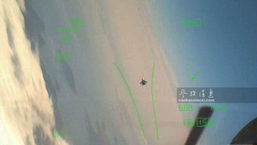 外媒:俄军苏-35S意外用演习炮弹击落苏-30