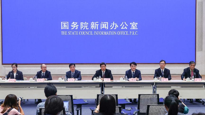 外媒关注:中国新冠疫苗产量明年将达到10亿剂