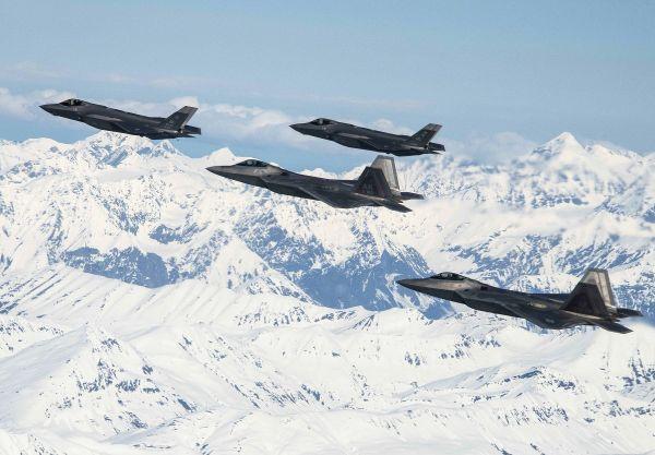 在北极压制俄罗斯!美空军