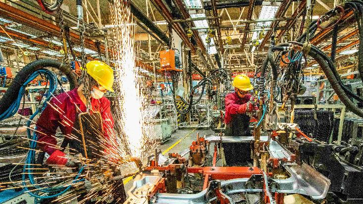 制造业服务业9月持续扩张 境外媒体:中国经济复苏进一步稳中加速