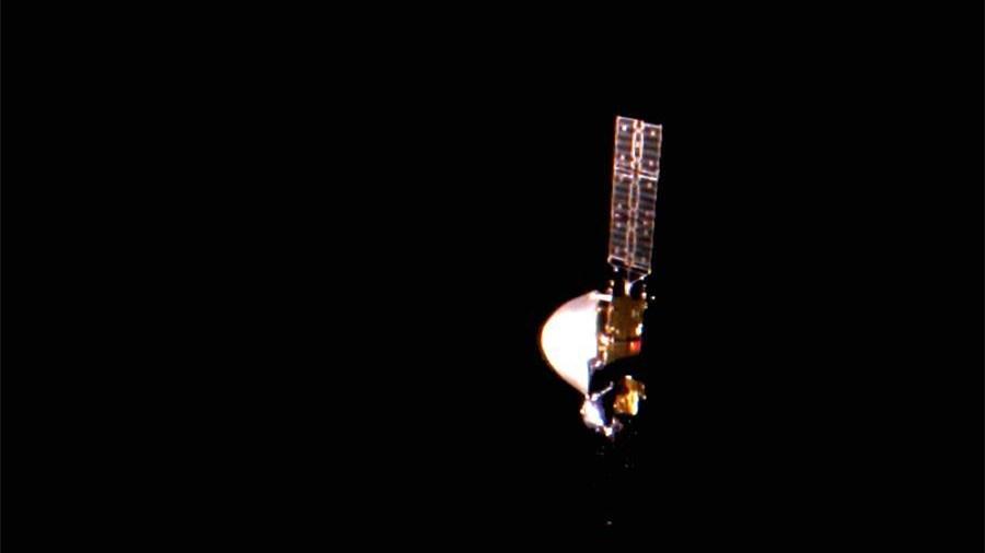 """""""天問一號""""探測器首次深空""""自拍"""" 五星紅旗在太空閃耀"""